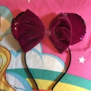 Disney Parks Minnie Mouse flip sequin bow headband